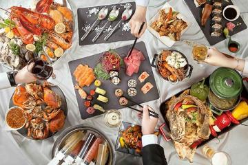 Nhà giàu đãi tiệc hải sản ra sao